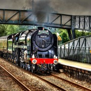 train-2660468_1920